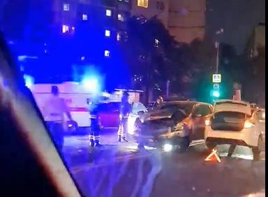 На Ставропольской произошла авария с участием трех автомобилей